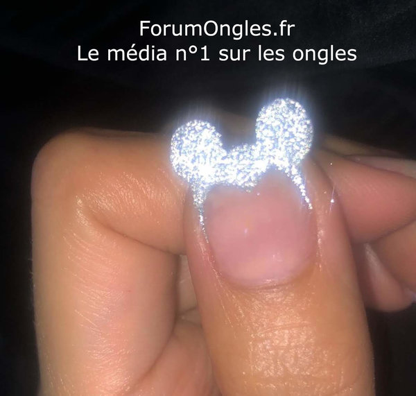 ongles-mickey.jpg